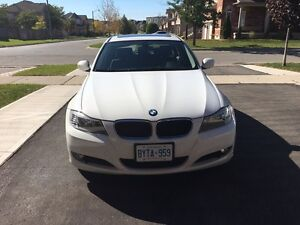BMW 323i white 2011 for sale 74500kms  (Derry/McLaughlin)