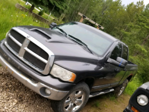 2002 Dodge 1500 loaded except leather