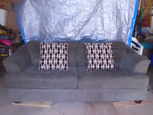 Couch in excellent shape for sale