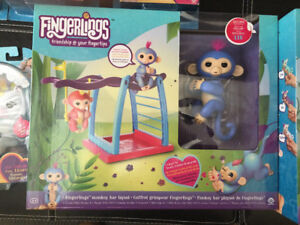 REDUCED Authentic Fingerlings Playset BRAND NEW with 1 MONKEY