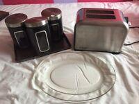 Toaster and bribantia pots