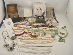 Costume Jewellery 46 Pcs Some New Watches, Brooches Rings