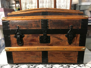 Exceptional Antique Doll Trunk withTray & Lithographs