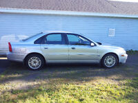2004 Volvo S80 Sedan- selling car / mag wheels
