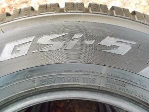 grand choix de pneus hivers presque neuf