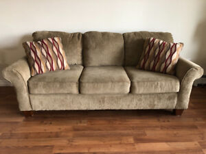 Couch for sale! Great Condition!