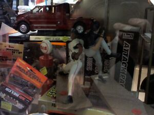 Sport Memorabilia in HEARTBEAT Thrift Store/BayView Mall Belleville Belleville Area image 3
