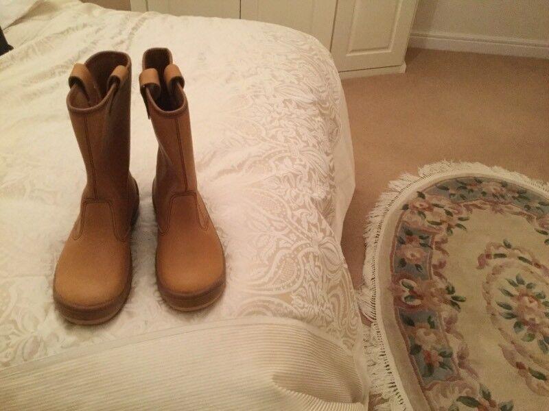 Brand new Jallatte work boots