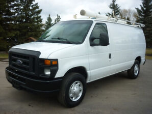 2014 Ford Econoline E-350 Cargo Van FULLY LOADED! LOW KMS!