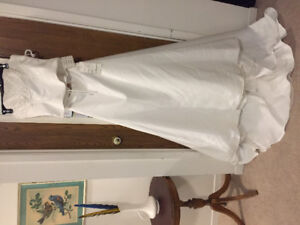 Madison Collection Wedding Dress (Size 4/6)