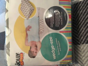 Jolly Jumper Wedge-eze pregnancy pillow