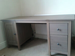 Sweet Desk and 2 Bookcases (GOOD CONDITION)