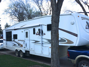 2008 Forest River Silverback 33RLBS