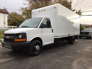 2010 GMC 5500 16 FT BOX TRUCK IN EXCELLENT CONDITION