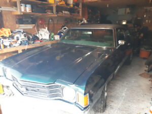 1972 chevelle 10 000 project car . Runs