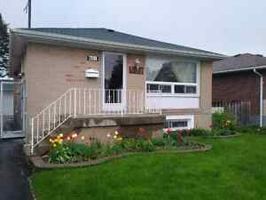 3 Bedroom Bungalow in Perfect Oshawa location.