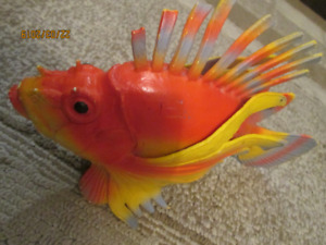 RUBBER YELLOW FISH TOY