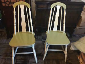 Antique solid wood chairs Cambridge Kitchener Area image 1