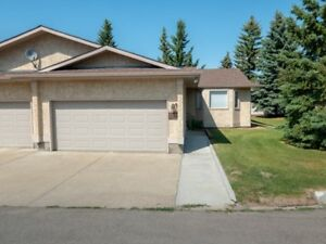 JUST LISTED! 3 Bedroom End Unit in Knottwood Village!