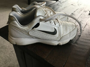 Boys size 3 Nike Golf Shoes