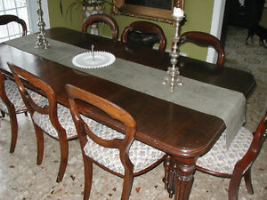 Antique Dining Table With 8 Balloon Back Chairs