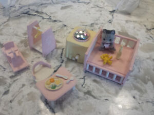 Huge Lot of  Sylvanian Calico Critters,Luxury TownHome,cottage