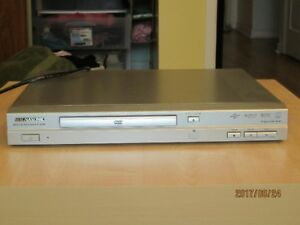 CD / DVD player   Sony TV with Remote