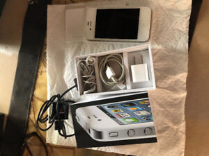 Mint condition IPhone 4
