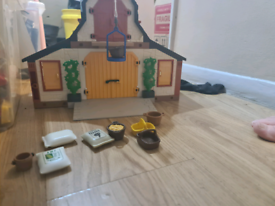 Playmobil farm building