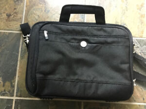 Computer carry case/ brief case- brand new never used