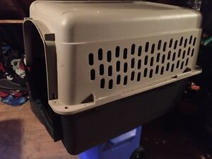 Portable dog kennel for medium to large dog