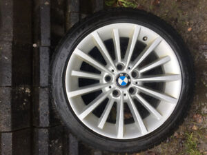 """Bmw O.E.M. 17"""" alloy Wheels COMES WITH 2 SETS OF TIRES"""