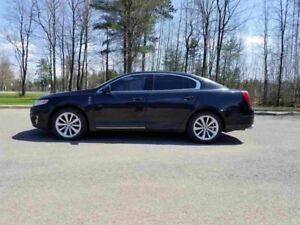 Lincoln MKS 4dr Sdn 3.5L AWD 2010