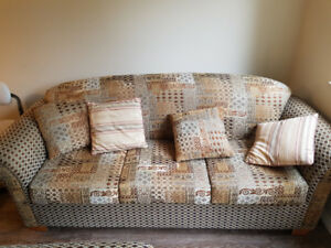 *BEAUTIFUL SOFA AND LOVESEAT - HI-QUALITY*