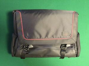 Belkin easy, protected, light laptop bag - brand new!
