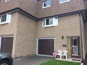 Furnished 3 bedroom Home for Rent Huntingwood and Birchmount