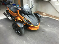CAN-AM SPYDER RS-S SPORT MANUEL 3300 kilo 1200$ D'OPTION