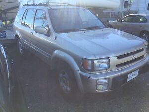 PARTS VEHICLE INFINITI QX4 (nissan pathfinder) Campbell River Comox Valley Area image 2