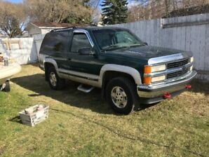 1995 Chev Tahoe excellent condition well maintained