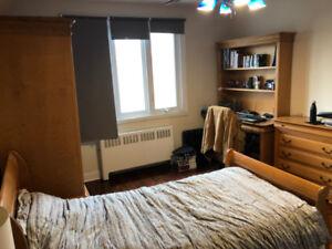 Belle chambre à louer - colocation - UDEM, HEC, POLYTECHNIQUE