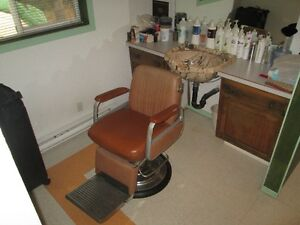 Unisex Chair and Sink Set