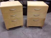 Tables/ Filières Filing Cabinets