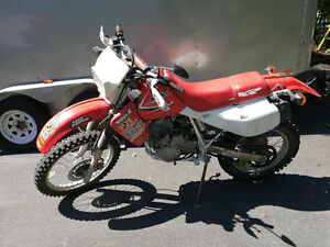2011 honda xr 650L------priced to sell