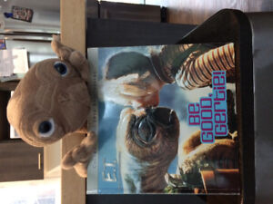 E.T. Plush toy and book