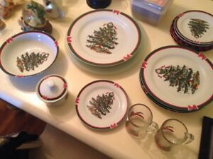 Christmas Dinnerware dishes set -  Trees and Bows Porcelain