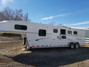 Trails West 3 Horse Gooseneck Horse Trailer for Sale