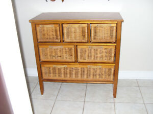 Wicker chest of drawers