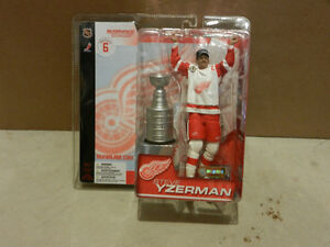 McFarlane NHL Series 6 Action Figure: Steve Yzerman Detroit Red