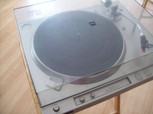 Vintage Semi-Automatic Direct-Drive Turntable (1980)