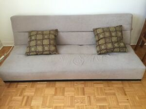 Divan lit +2 coussins (sofa bed)